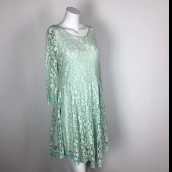 Free People Dresses & Skirts - Free People Mint Green Lace Overlay Flare Dres